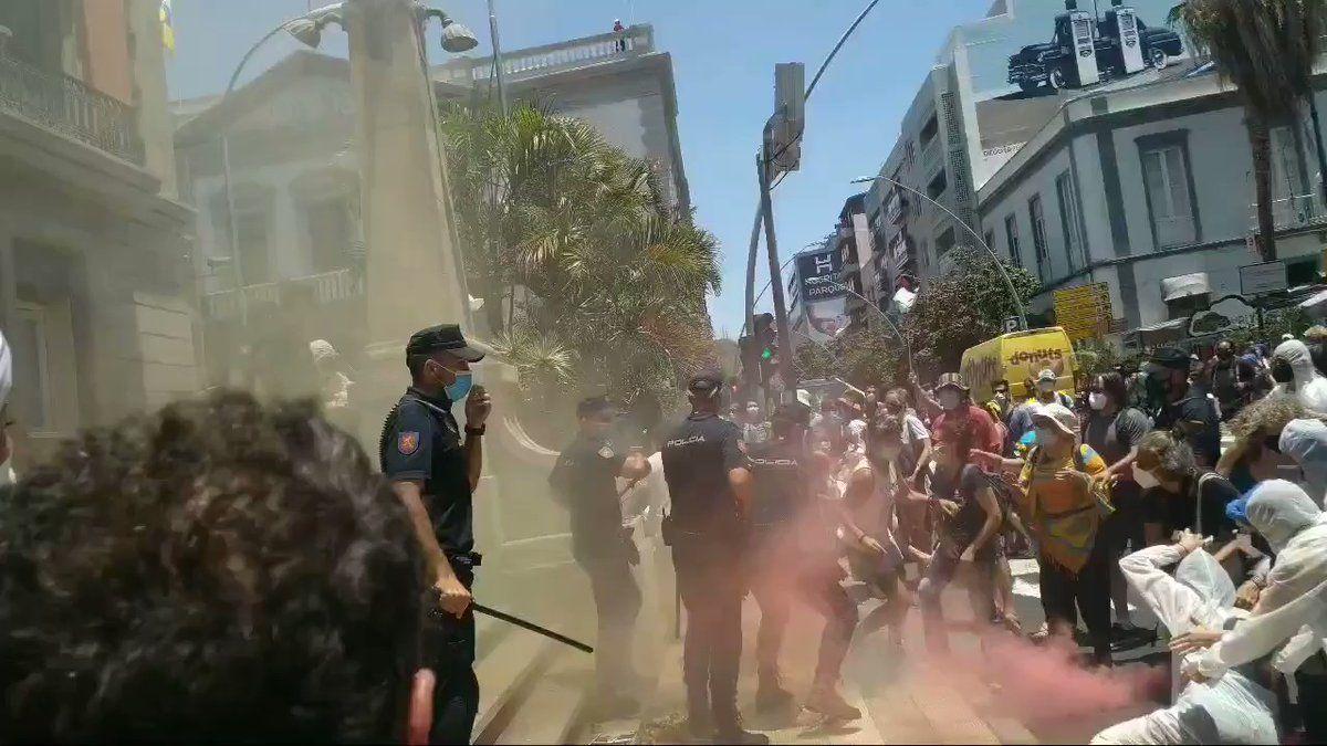 Pesencia policial en la manifestación de la Caravana Abriendo Fronteras