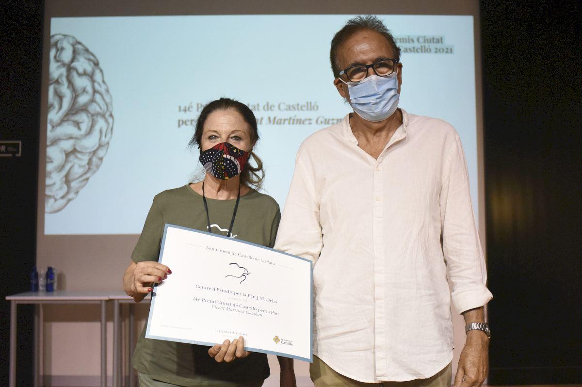 El Centre Delàs recibe el Premio Ciutat de Castelló per la Pau Vicent Martínez Guzmán