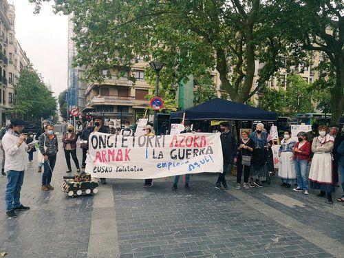 Jornada anual en Donostia contra el gasto militar